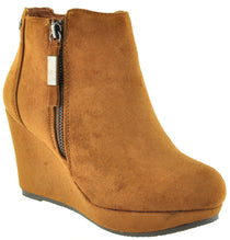 XTi - 34219 Tan Ankle Boots