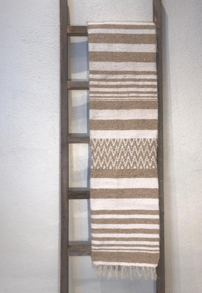 El Triunfo Blanket - White/Tan Stripe/Pattern