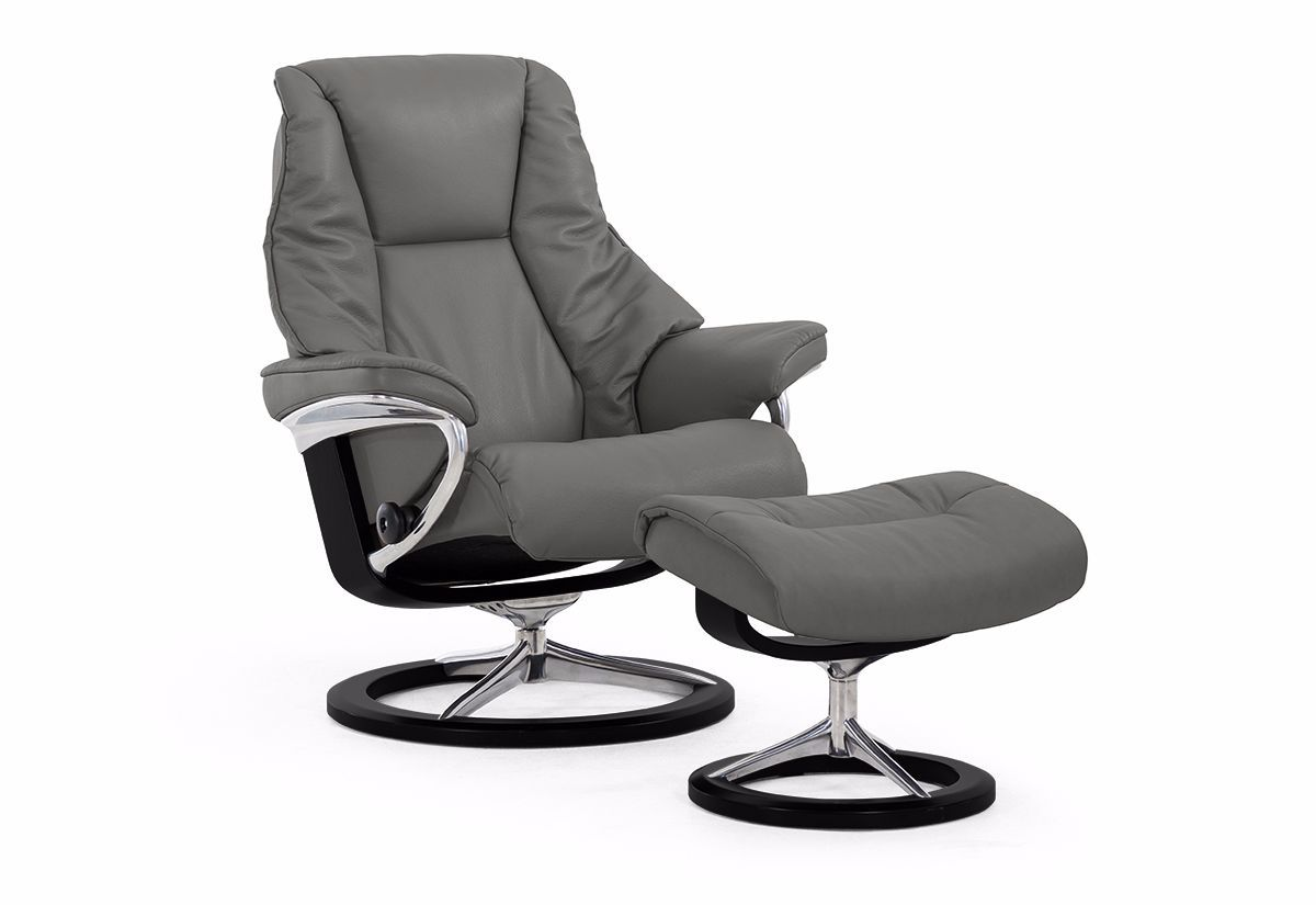 Live (L) Recliner & Ottoman w/ Signature Base (Stressless by Ekornes)