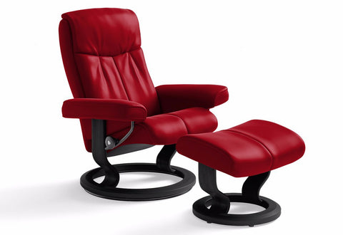 Peace Medium Classic Recliner & Ottoman (Stressless by Ekornes)