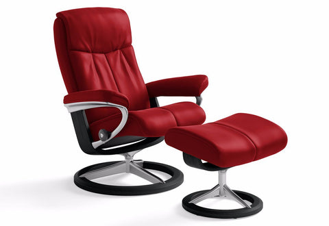 Peace Small Signature Recliner & Ottoman (Stressless by Ekornes)