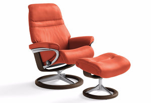 Sunrise Medium Signature Recliner & Ottoman (Stressless by Ekornes)