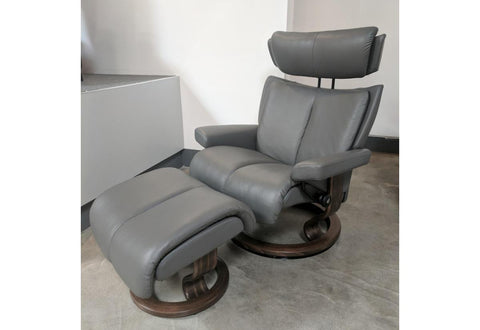 Magic Large Recliner & Ottoman (Stressless by Ekornes) Paloma / Metal Grey