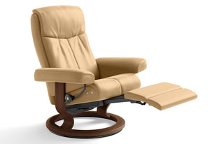 Peace Medium LegComfort Recliner (Stressless by Ekornes)
