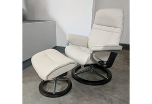 Sunrise Signature Medium Recliner & Ottoman (Stressless by Ekornes) Paloma / Light Grey