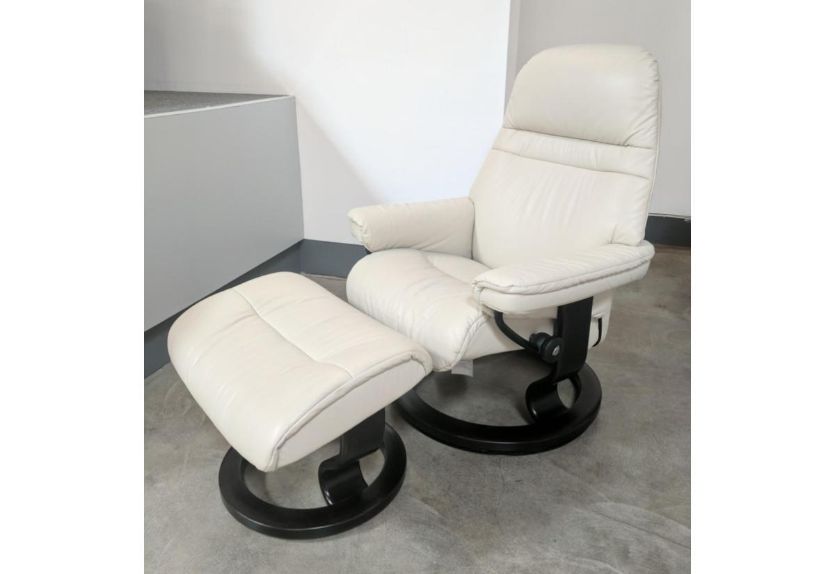 Sunrise (S) Recliner u0026 Ottoman (Stressless by Ekornes) Paloma / Light Grey  sc 1 st  Recliners.la & Sunrise (S) Recliner u0026 Ottoman (Stressless by Ekornes) Paloma ... islam-shia.org