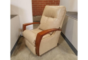 Maxx Rocker Recliner (La-Z-Boy) Harmony Leather Floor Model