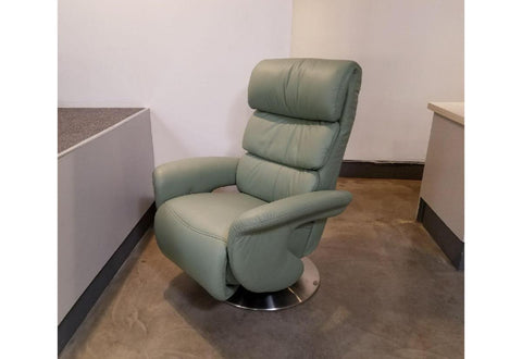 Crosby Recliner (Himolla) Floor Model