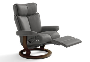 Magic Medium LegComfort Recliner (Stressless by Ekornes)