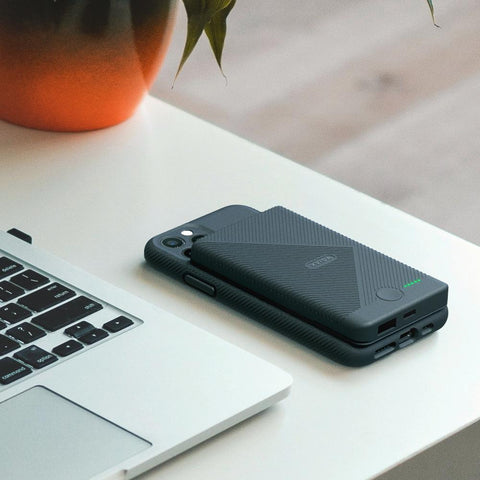 wireless charging power bank magnetic wireless power bank battery pack for iPhone 11, Samsung Galaxy S20