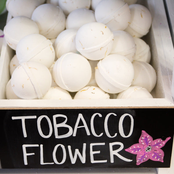 These delicate bath bombs are the perfect rainy day bath bombs! Made with a white base, we infuse beautiful calendula flower petals that make it the ultimate spa like experience!