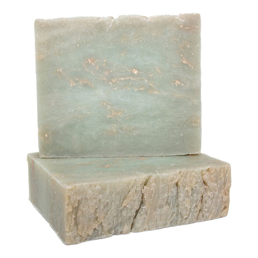 This lightly perfumed soap bar makes it a perfect go to fragrance.