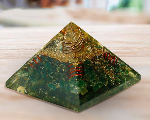 Semi precious Stone Decorative Green Aventurine Fengshui pyramid