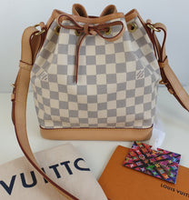 Load image into Gallery viewer, Louis Vuitton noe BB bucket bag in azur