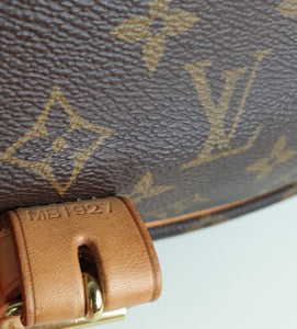 Louis Vuitton saumur 35 monogram messenger bag