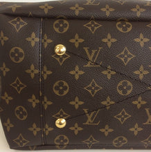 Load image into Gallery viewer, Louis Vuitton artsy MM