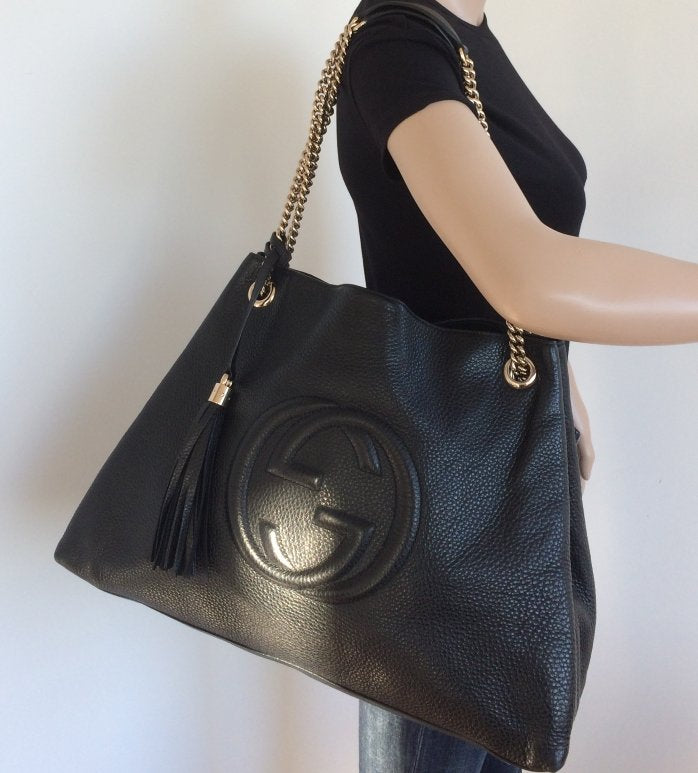 4799cba5e ... Load image into Gallery viewer, Gucci large soho textured chain hobo ...