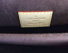 Load image into Gallery viewer, Louis Vuitton pochette metis