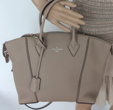 Load image into Gallery viewer, Louis Vuitton new soft Lockit PM shoulderbag