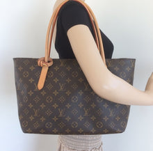 Load image into Gallery viewer, Louis Vuitton raspail PM