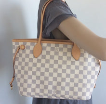 Load image into Gallery viewer, Louis Vuitton Neverfull PM with pochette