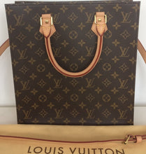 Load image into Gallery viewer, Louis Vuitton sac plat with shoulderstrap