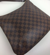 Load image into Gallery viewer, Louis Vuitton bloomsbury pm