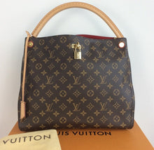 Load image into Gallery viewer, Louis Vuitton gaia hobo