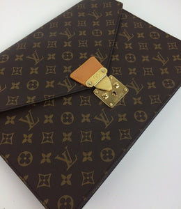 Louis Vuitton porte documents Senateur document Holder