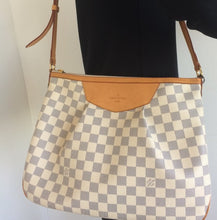 Load image into Gallery viewer, Louis Vuitton siracusa MM azur