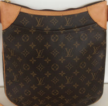 Load image into Gallery viewer, Louis Vuitton odeon MM crossbody bag