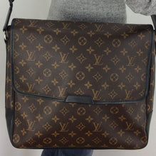 Load image into Gallery viewer, Louis Vuitton bass GM macassar messenger