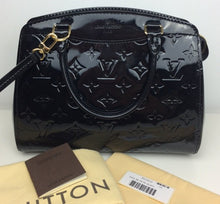Load image into Gallery viewer, Louis Vuitton brea pm with strap