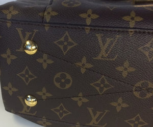 Louis Vuitton Metis hobo
