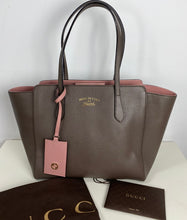 Load image into Gallery viewer, Gucci small swing tote bag