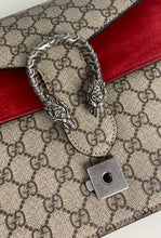 Load image into Gallery viewer, Gucci dionysus supreme GG medium shoulder bag