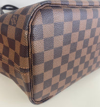 Load image into Gallery viewer, Louis Vuitton neverfull MM damier