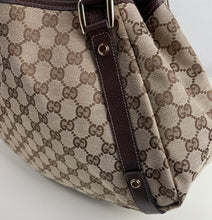 Load image into Gallery viewer, Gucci medium abbey GG  beige ebony tote