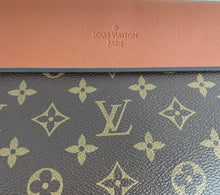 Load image into Gallery viewer, Louis Vuitton tuileries pochette