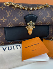 Load image into Gallery viewer, Louis Vuitton Victoire chain bag