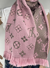 Load image into Gallery viewer, Louis Vuitton logomania shine scarf