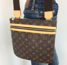 Load image into Gallery viewer, Louis Vuitton pochette bosphore monogram