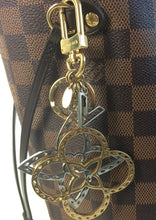 Load image into Gallery viewer, Louis Vuitton neo tapage charm/ key holder