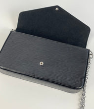 Load image into Gallery viewer, Louis Vuitton musette salsa