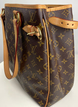 Load image into Gallery viewer, Louis Vuitton tuileries hobo in caramel