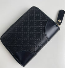 Load image into Gallery viewer, Gucci lux diamante leather cardcase wallet