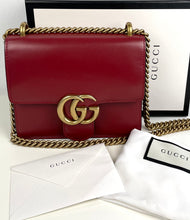 Load image into Gallery viewer, Gucci small marmont small smooth leather bag
