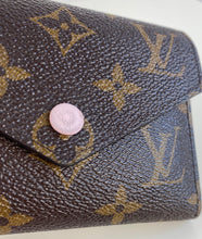 Load image into Gallery viewer, Louis Vuitton victorine wallet