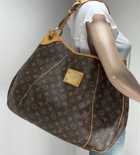 Load image into Gallery viewer, Louis Vuitton galliera GM