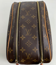 Load image into Gallery viewer, Louis Vuitton toiletry king size